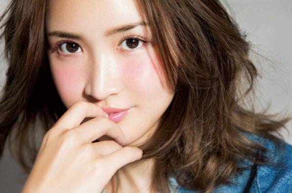 紗栄子が愛用してる黄色の財布やかごバックのブランドはどこ?値段も調査!