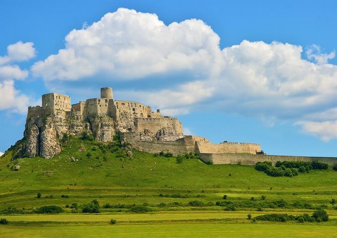 天空の城ラピュタのモデルってどこ?日本や海外で似ている場所は?
